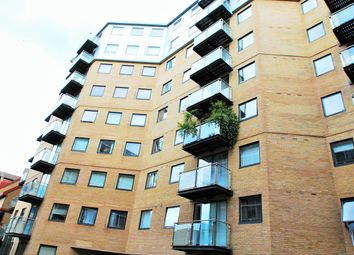 Thumbnail 1 bedroom flat to rent in Merchants Place, Reading