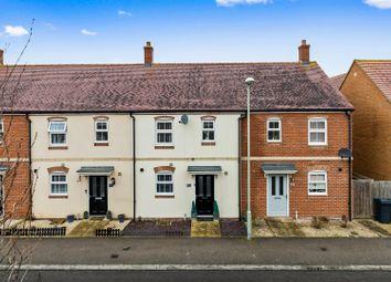 Finn Farm Road, Kingsnorth, Ashford TN25. 3 bed terraced house