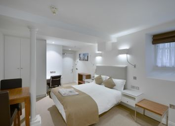 Thumbnail 1 bed flat to rent in Suffolk Lane, City