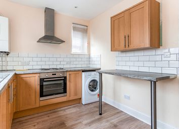 Thumbnail 3 bed flat to rent in Tarring Road, Broadwater, Worthing