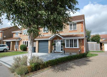 Thumbnail 4 bed detached house for sale in Nightjar Close, Horndean, Hampshire.