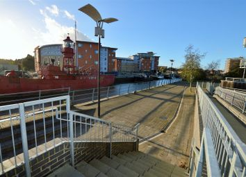 Thumbnail 1 bedroom flat to rent in Quayside Drive, Colchester