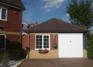 Thumbnail 1 bed bungalow to rent in Dart Drive, Didcot
