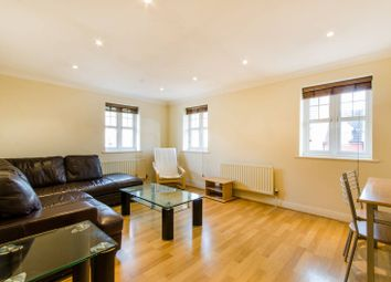 2 bed maisonette to rent in Honiton Gardens, London NW7