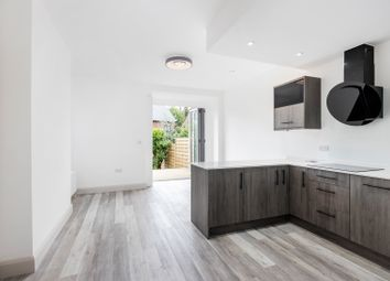 Thumbnail 2 bed flat for sale in Kenilworth Avenue, Wimbledon