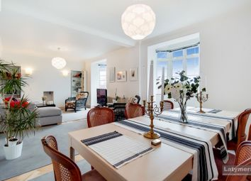 Hammersmith Road, Hammersmith W6. 3 bed flat for sale