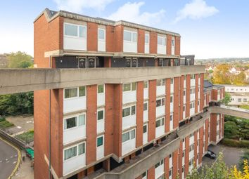 3 bed flat to rent in Crayford Road, Tufnell Park, London N7
