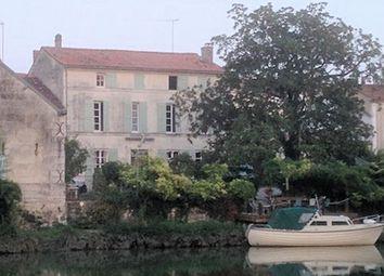 Thumbnail 5 bed town house for sale in 17350, Saint-Savinien (Commune), Saint-Savinien, Saint-Jean-D'angély, Charente-Maritime, Poitou-Charentes, France