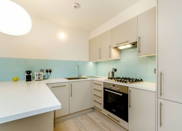 Thumbnail 1 bed flat to rent in Keswick Road, East Putney