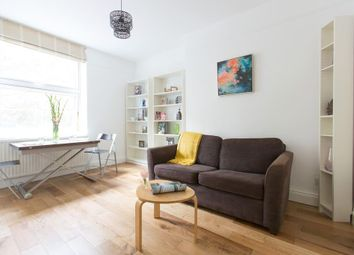 St. Katharines Way, London E1W. 2 bed flat