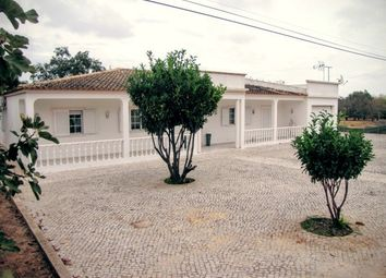Thumbnail 4 bed villa for sale in Portugal, Algarve, Olhão