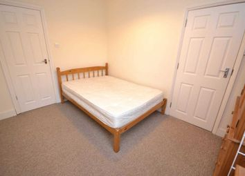 Thumbnail Room to rent in De Montfort Road, Reading