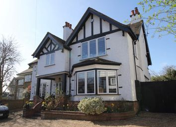 Thumbnail 6 bed detached house for sale in Braywick Road, Maidenhead, Berkshire