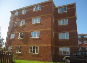 Thumbnail 2 bed flat to rent in Halimote Road, Aldershot
