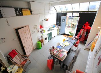 Thumbnail 1 bed flat to rent in Canalside Studios, Orsman Road, Hackney