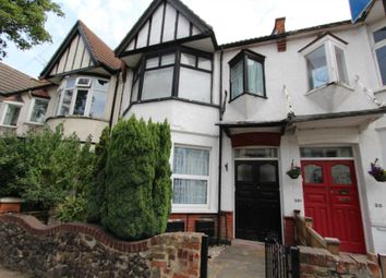 3 bed flat to rent in Westbourne Grove, Westcliff-On-Sea SS0