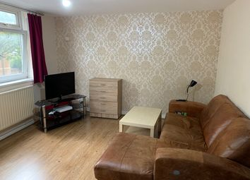 3 bed flat to rent in Manchester Road, London E14