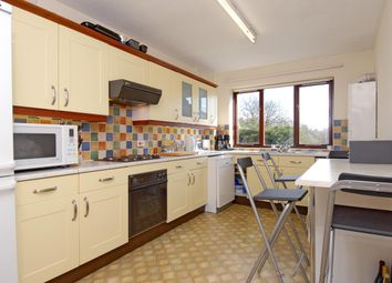 Thumbnail 2 bed flat to rent in Sadlers Court, Winnersh, Wokingham