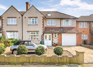 5 bed property for sale in Queens Avenue, Feltham TW13