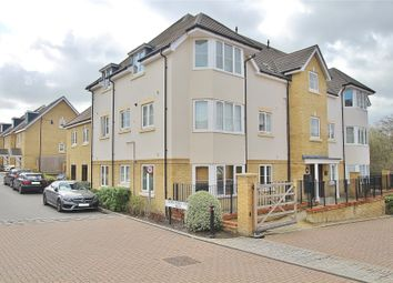 1 Hereford Close, Woking, Surrey GU21. 2 bed flat for sale