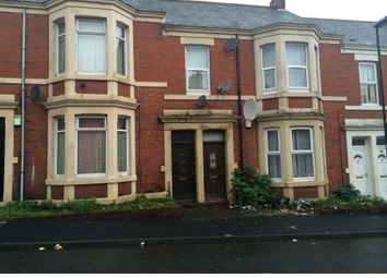 Thumbnail 2 bedroom flat to rent in Wingrove Gardens, Newcastle Upon Tyne