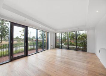 Amelia House, London City Island E14. 3 bed flat