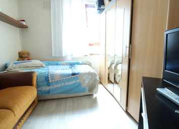 Thumbnail 3 bed flat to rent in 110x, Arcola Street, Stoke Newington