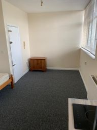 Thumbnail Studio to rent in Guildford Street, Luton, Bedfordshire