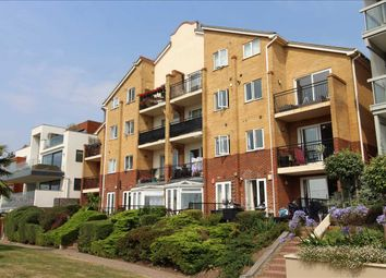 Undercliff Gardens, Leigh-On-Sea SS9. 3 bed flat