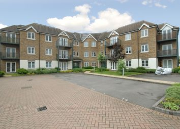 Thumbnail 2 bed flat to rent in Huntercombe Lane North, Taplow, Maidenhead