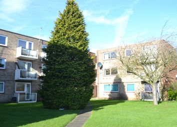 Thumbnail 3 bed flat for sale in Sunderland Road, Maidenhead