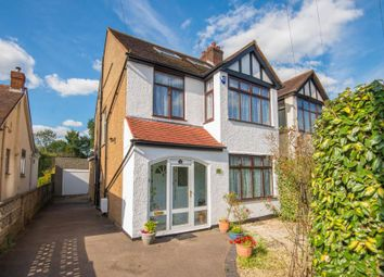 Thumbnail 5 bed property for sale in Park Avenue, Potters Bar, Hertfordshire