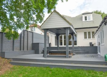 Thumbnail 6 bed detached house for sale in Tippendell Lane, Chiswell Green