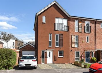 4 bed property for sale in Halifax Road, Bracknell, Berkshire RG12