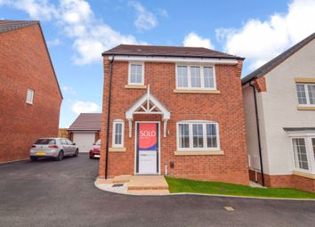 Thumbnail 3 bed detached house to rent in Pinewood Avenue, Warwick