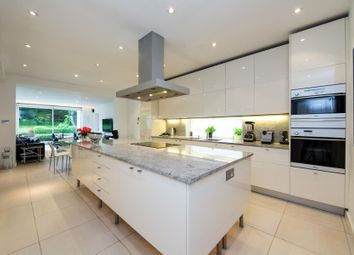 Thumbnail 6 bed property to rent in Lyndale Avenue, London