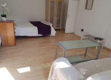 Thumbnail Property to rent in Arden Estate, London
