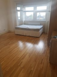 Thumbnail Studio to rent in Gressenhall Road ( Bills Included), Southfields ( Bills Included)