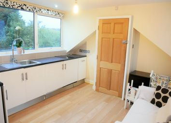 Thumbnail 1 bed flat to rent in Highfield Road, West Acton