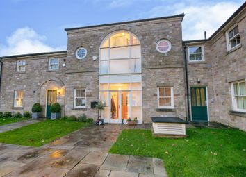 3 bed property for sale in Berry Hill Lane, Mansfield NG18