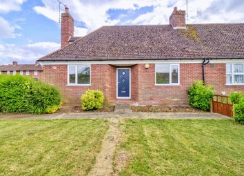 Drakeloe Close, Woburn, Bedfordshire MK17. 2 bed bungalow for sale