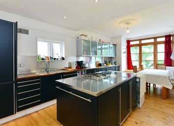 Thumbnail 4 bed terraced house to rent in Elvendon Road, Bounds Green