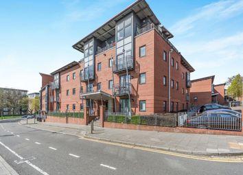 2 bed flat to rent in Rickman Drive, Birmingham B15
