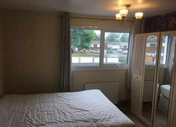 Thumbnail Property to rent in Peacock Walk, Crawley