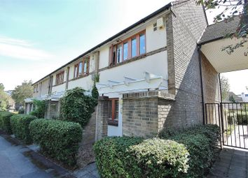 2 bed property to rent in Manor House Way, Isleworth TW7
