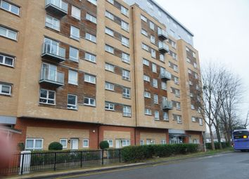 2 bed flat for sale in Cherrydown East, Basildon SS16