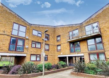 Siward Road, Wandsworth, London SW17. 2 bed flat for sale