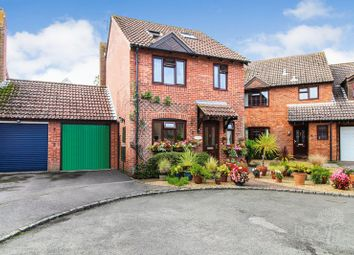 Thumbnail 4 bed detached house for sale in Quarrington Close, Thatcham