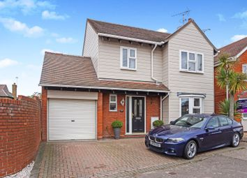 Thumbnail 4 bed detached house for sale in Gandalfs Ride, Chelmsford