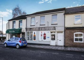Thumbnail 2 bed maisonette for sale in Guildford Street, Luton, Bedfordshire